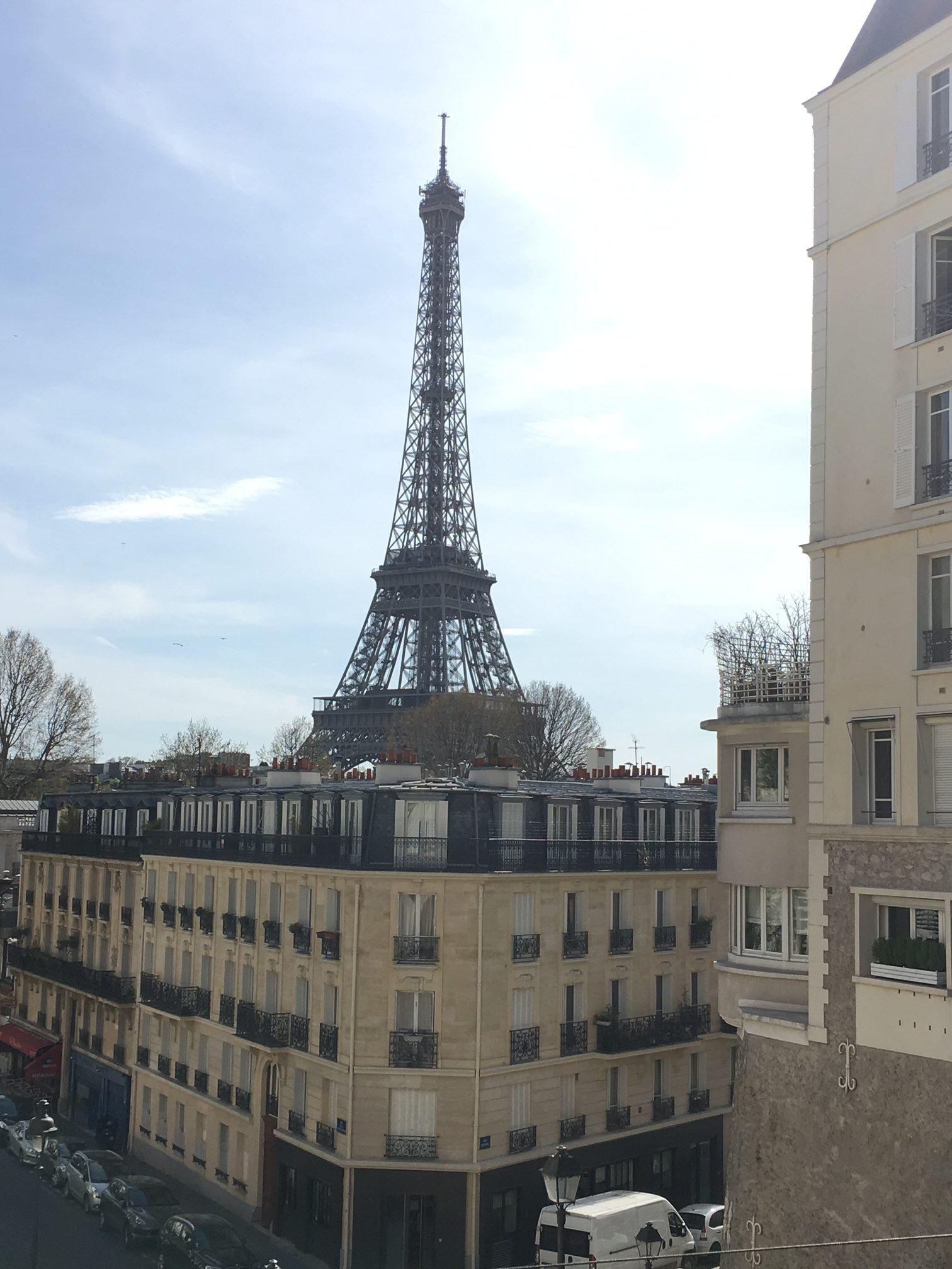 "<img src=""engagement session in paris"" width=""100"" height=""90"" border=""0"" alt=""engagement session in paris"">"