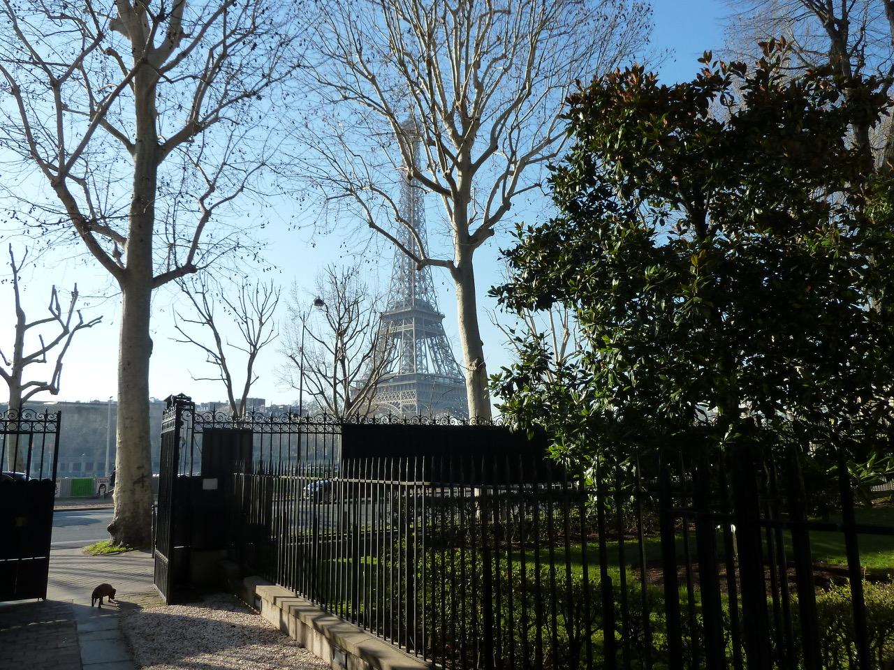 "<img src=""wedding venue Paris 25"" width=""100"" height=""90"" border=""0"" alt=""wedding venue Paris 25"">"