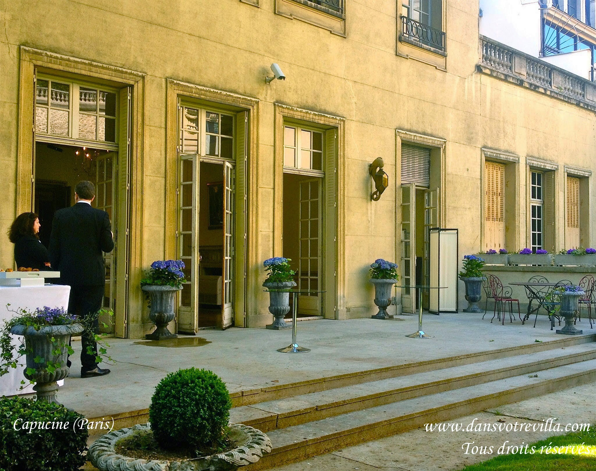 "<img src=""wedding venue Paris 20"" width=""100"" height=""90"" border=""0"" alt=""wedding venue Paris 20"">"