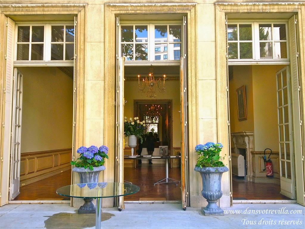 "<img src=""wedding venue Paris 21"" width=""100"" height=""90"" border=""0"" alt=""wedding venue Paris 21"">"