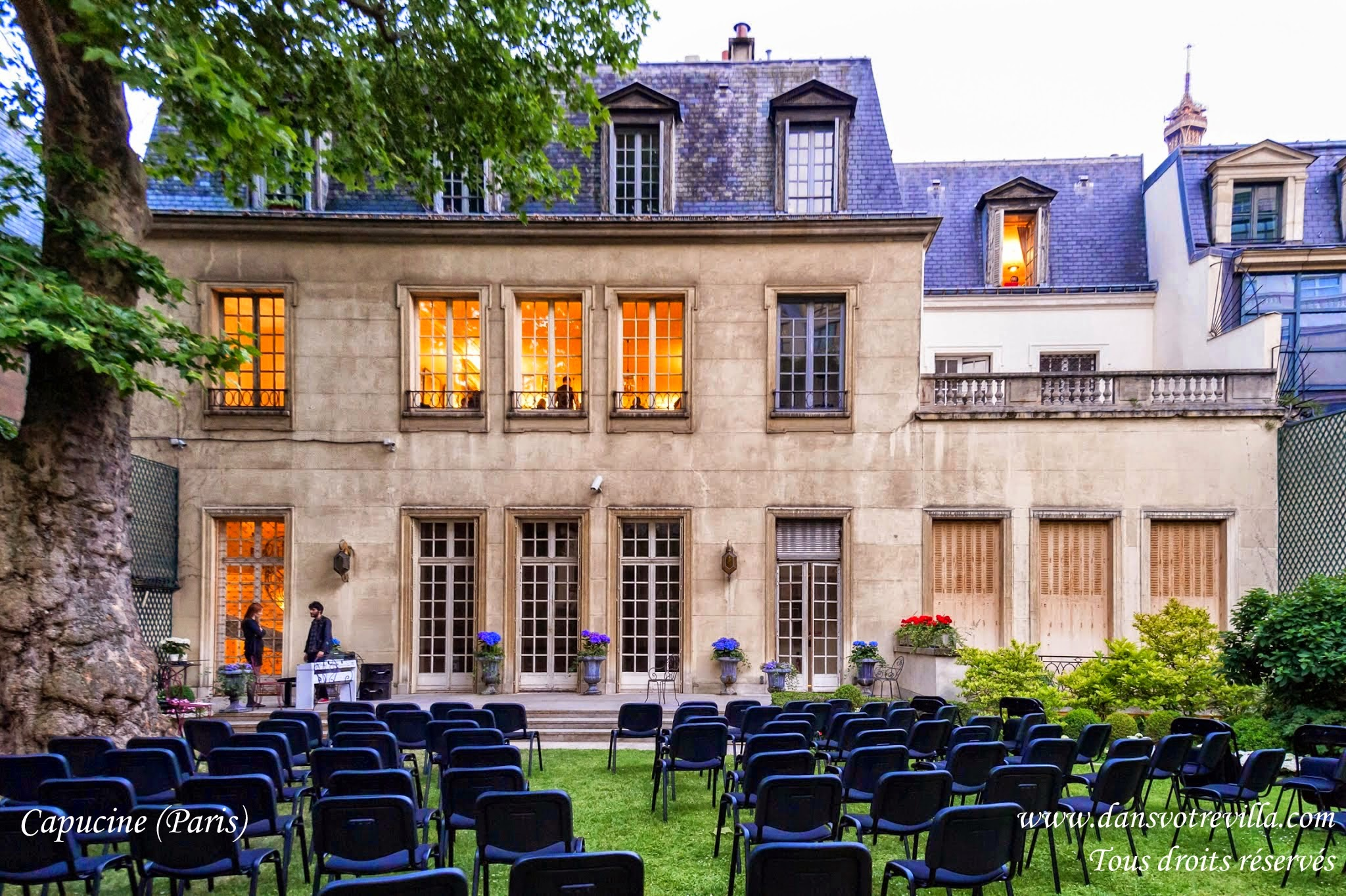 "<img src=""wedding venue Paris 15"" width=""100"" height=""90"" border=""0"" alt=""wedding venue Paris 15"">"