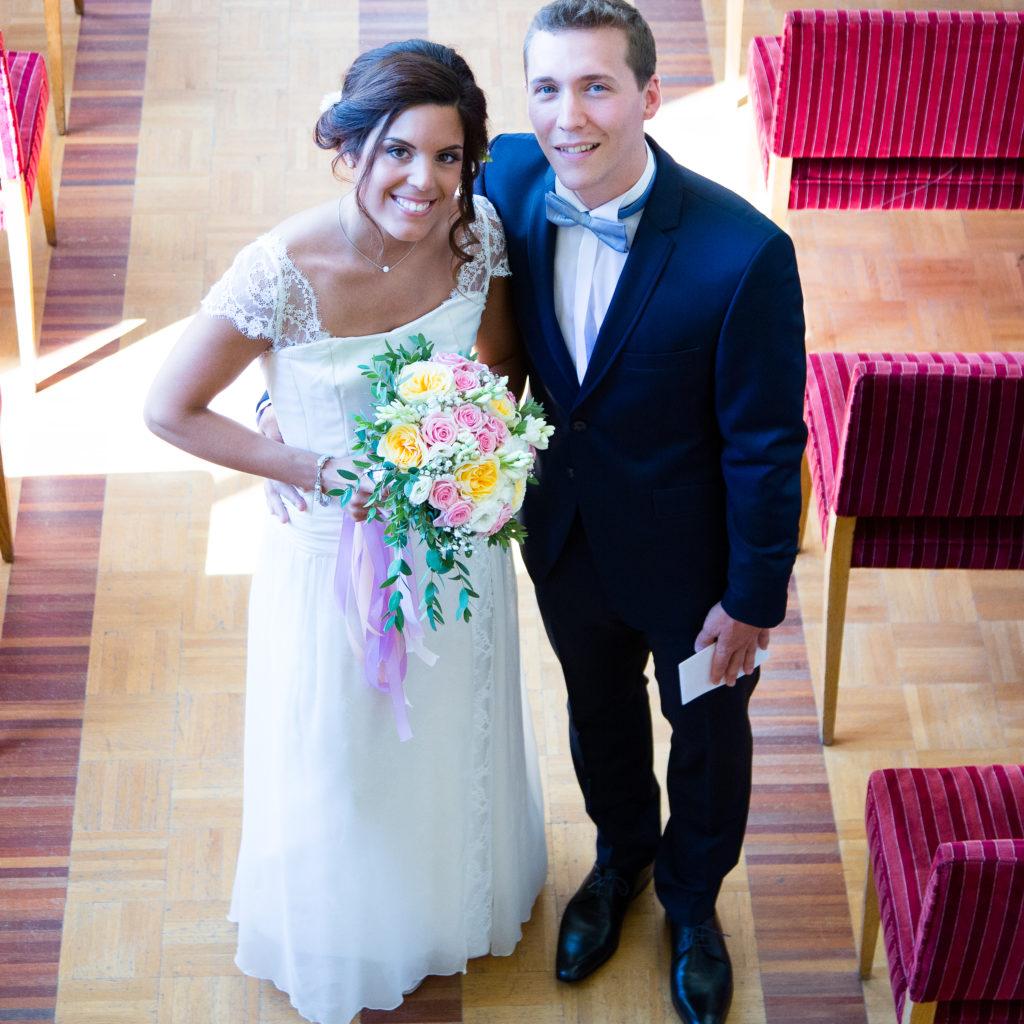 getting married in paris - rent your wedding dress