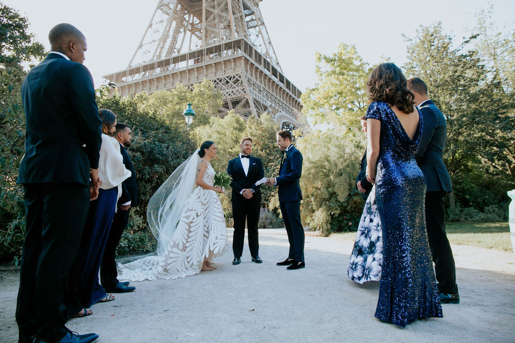 wedding Eiffel Tower - get married in Paris